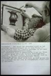 4.7.e. Terugplaatsen van de Groene Kan in de gevel van de voormalige herberg, 1972.jpg